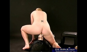 Teen big-tit unskilful cums above the sybian