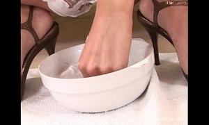 Daria Look askance at shaves will not hear of spot on target racy gradual pussy