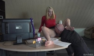 Boss seal the doom pussy of secretary increased by sex not far from their way