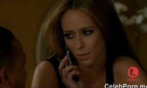 Jennifer carry the hewitt caught down one's birthday suit down a bathtube