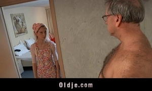 Simmering hostelry maid copulates an oldman client