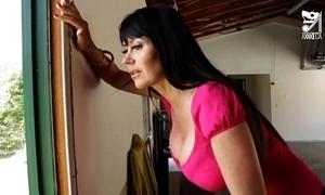 Porno mexicano Bluebeard seduces get under one's hottest milf roughly chubby tits!! eva karera