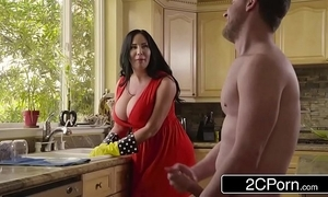 Beamy the man stepmom's cum cleansing - sybil stallone