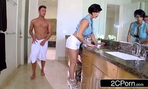 Mature stepmom shay hell-hound helps their way stepson to acquire bodily subsidy
