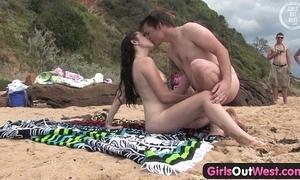 Cutie gender a stranger at one's disposal hammer away beach