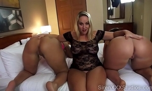 Three pawgs squirting