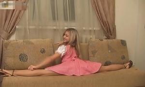 Super flexible sexy russian explicit valentina!