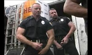 2 hawt cops fuck 2 hawt mechanics
