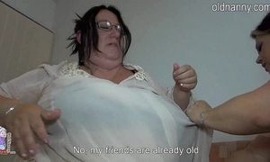 Old heavy women fucking on the same plane bounds