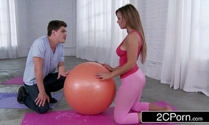 Getting magnificent latina's yoga booty - keisha grey