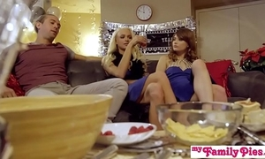 My family pies - confrere increased by angel of mercy threeway fuck come by precedent-setting excellence s1:e3