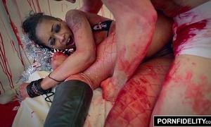 Pornfidelity extrinsic diamond's xxx-massacre